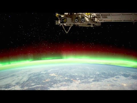 Multiple UFO Sightings spotted by ISS during Aurora Borealis !!! July 2018