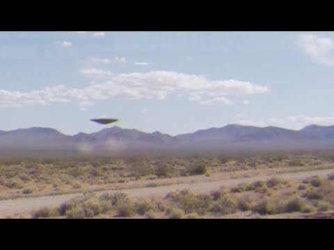 Mysterious UFO filmed in the desert of AREA 51 !!!